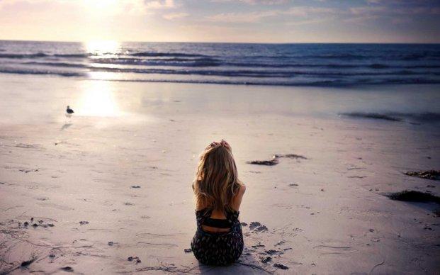 Alone-in-beach-field-lonely-hot-girl-full-hd-wallpaper.jpg