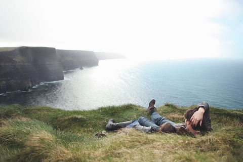 MOBILE_Joanna-Polling-Ireland-Cliffs-of-Moher-Couple.jpg
