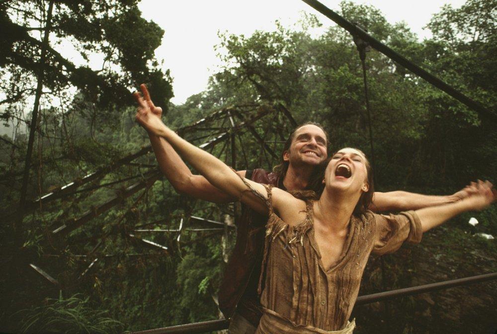 romancing-the-stone-1984-001-michael-douglas-kathleen-turner-jungle-vines.jpg